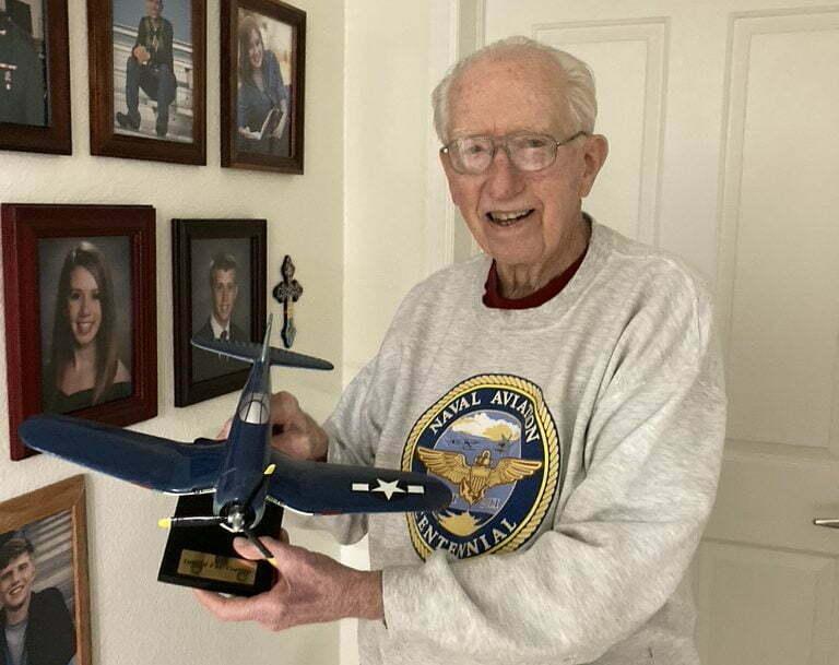 Korean War vet sharing his experiences